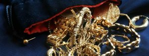 how to sell old gold jewelry